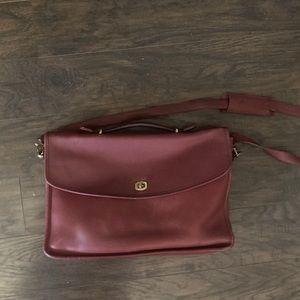 Beautiful large vintage leather coach bag